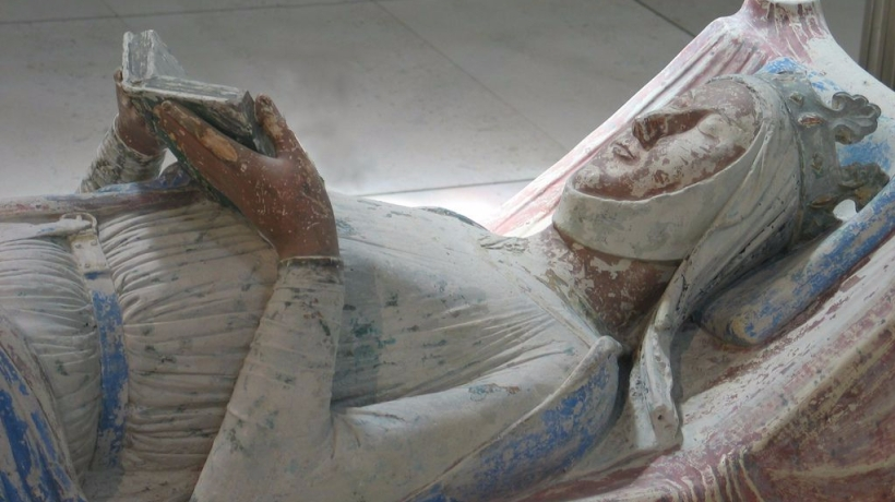 Picture of the tomb of Eleanor of Aquitaine